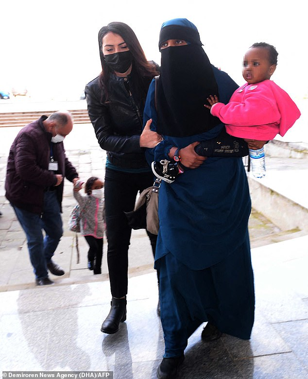 ISIS brides refugee family follow her to NZ, Suhayra Aden one of twelve NZ jihadi brides Suhayra Aden arrived in NZ